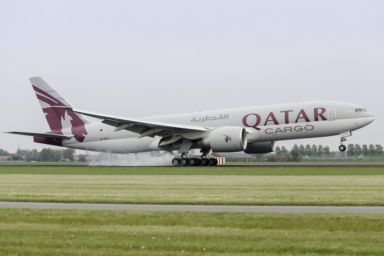 qatar_airways_cargo_boeing_777_fdz_by_sliverfoxnl-d50cva0 (1)